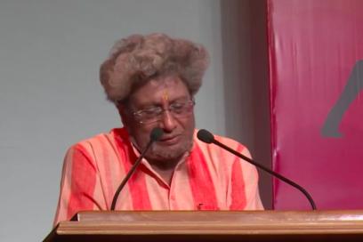 5° Festival Internazionale dello Yoga ottobre 2015 – Dev Sanskriti University (Haridwar India) intervento di HariJi dal minuto 46.31